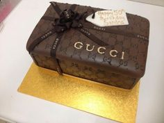 Gucci Gift Box cake ~ Heavenly Cakes