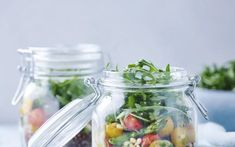 Quinoasalade met groene asperges en verse kruiden - Libelle Lekker
