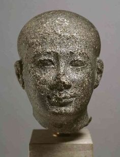 Tête d'une statue d'homme, trouvée dans le temple de Ptah de Memphis - Ny Carlsberg Glyptotek