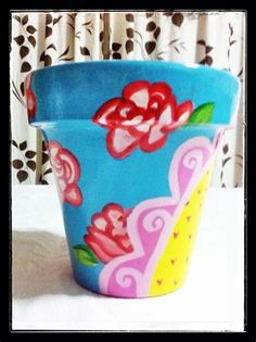 Painted Pots, Painted Signs, Hello Kitty, Clay Pot Crafts, Flower Pots, Flowers, Clay Pots, Garden Pots, Easter Crafts
