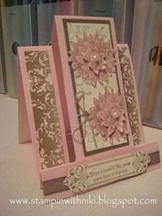 A very pretty step card. by lorraine