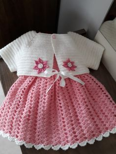 Crochet Cotton Baby Dress Hat pink and white by GoingCrafty,This Pin was discovered by yol Crochet Baby Dress Pattern, Baby Girl Crochet, Crochet Baby Clothes, Crochet For Kids, Baby Girl Patterns, Baby Knitting Patterns, Vestidos Bebe Crochet, Baby Set, Baby Sweaters