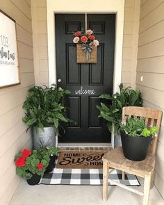 Do you need inspirations to make some DIY Small Porch Decorating in your Home? Simple approaches to create your porch inviting and warm. Only a few items is sufficient to dress up a little porch without overwhelming it. Check all… Continue Reading → Small Front Porches, Farmhouse Front Porches, Farmhouse Door, Summer Front Porches, Small Porch Decorating, Decorating Ideas, Decor Ideas, Summer Decorating, Porch Kits