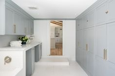 Category: Coastal Homes Cabinet Paint Colors, Room Paint Colors, Kitchen Cabinet Styles, Kitchen Cabinetry, Ranch Homes For Sale, Modern Industrial Decor, Modern Farmhouse Interiors, Colored Ceiling, Visual Comfort
