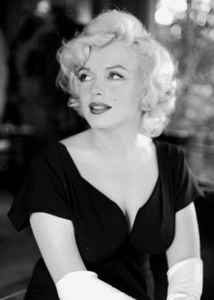 """Marilyn at a press conference for """"Some Like It Hot"""", July 1958."""