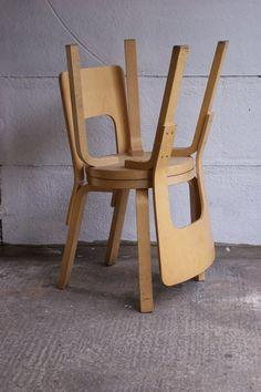Alvar aalto hallway sofa artek 39 40s design chairs for Chaise 66 alvar aalto