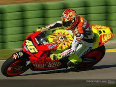 """tirandohoras: """" Honda RC211V HRC - Cheste 2003 Una de las motos mas bonitas pilotadas por Valentino Rossi """""""
