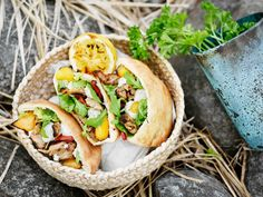 Hot Dog Buns, Hot Dogs, Cheesesteak, Tacos, Mexican, Bread, Ethnic Recipes, Red Peppers, Bakeries