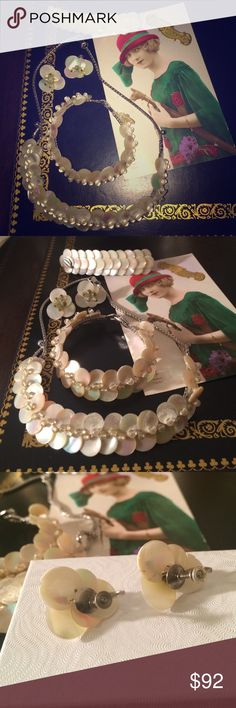 """ANTIQUE MOTHER OF PEARL SET  Beautiful antique set of a necklace, a bracelet and screwback earrings.  Necklace is  15 """" long, bracelet   is  6½"""" long.  Width of neacklace and bracelet : 3/4"""".                 4 pieces . Vintage Jewelry"""