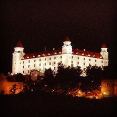 pinolace's photo Bratislava, Slovaquie résidence des souverains actuels du royaume Slovaque.