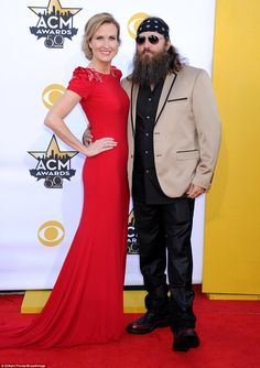 Reality stars Willie Robertson and wife Korie were also in attendance. Duck Dynasty Cast, Willie Robertson, Country Music Artists, Red Gowns, Miranda Lambert, Blake Shelton, Attendance, 50th, Taylor Swift