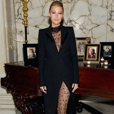 Pin for Later: Blake Lively Shows a Whole Lot of Leg For Her Big Night