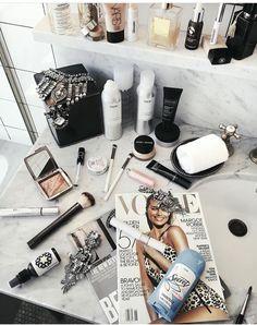 19 ideas makeup collection palettes for 2019 Makeup Storage, Makeup Organization, Storage Organization, Claudia Rodriguez, Billy Ikea, Rose Gold Makeup, Pinterest Makeup, High End Makeup, Perfume