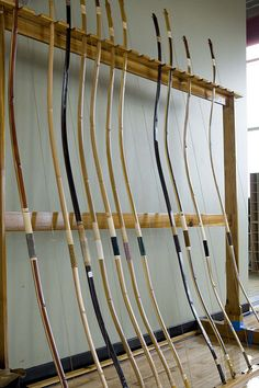 Traditional Bow, Traditional Archery, Mounted Archery, Types Of Bows, Samurai Weapons, Bow Hunting, Archery Hunting, Japanese Bamboo, Bow Arrows