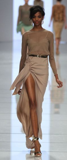 Milan Fashion Week Shows: from Ermanno Scervino for Spring and Summer 2012: