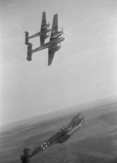 Messerschmitt Bf of Zerstörergeschwader 26 (ZG during the Battle of France. Ww2 Aircraft, Fighter Aircraft, Military Aircraft, Fighter Jets, Luftwaffe, The Art Of Flight, Ww2 Tanks, Battle Of Britain, Nose Art