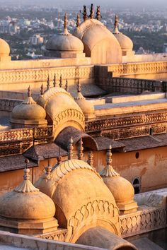 Nahargarh Fort, Jaipur, Rajasthan, India - by Florin Draghici India Architecture, Ancient Architecture, Gothic Architecture, Beautiful Buildings, Beautiful Places, Amazing Places, Nepal, Places To Travel, Places To See