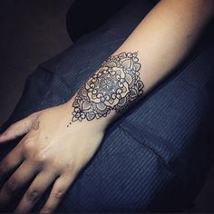 http://tattooideas247.com/wrist-mandala/ Pretty Wrist Mandala #BlackInk, #Cute, #Intricate, #Mandala, #MattStopps, #PrettyWrist
