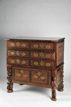 Another Indo-Portuguese cabinet from the XVI century