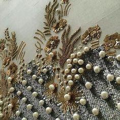 #goldwork #shading | #handembroidery #embroidery #artisan #madebyhand #ethicallymade #bird #fashion #embellishments #Regrann #handmade #heartmade #embroidery #hautecouture #couture #highfashion #fashion #beads#sequin #needlework #embroideryhoop #вышивка #вышивкаручнойработы #ручнаяработа #назаказ #ручнаявышивка #расшитаяодежда #вышивканаодежде