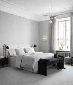 I like this bedroom feature made for the release of the relaxed elegance collection by H&M Home. The soft textiles, combined with the wooden room divider and velvet pieces give this bedroom of… Gray Bedroom, Home Bedroom, Bedroom Decor, Monochrome Bedroom, Washed Linen Duvet Cover, Wooden Room Dividers, Hm Home, Beautiful Bedrooms, Interiores Design