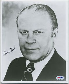 GERALD-FORD-SIGNED-AUTOGRAPHED-PSA-DNA-8x10-PHOTO-AUTO #geraldford #ford #photo #signed #autograph #keepersunlimited #history