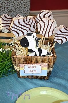 Cute idea if you wanted to do a safari themed shower - easy and cheap - Zebra Cakes Safari Birthday Party, Jungle Party, Birthday Ideas, Zebra Birthday, Noahs Ark Party, Lion Party, Safari Theme Party, Animal Birthday, Baby Birthday