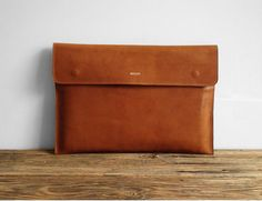 Light brown leather macbook 15 SleeveGreat for a gift by MISOUI