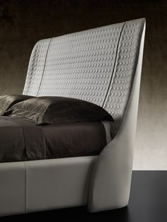 Double beds | Beds and bedroom furniture | Swan | Reflex. Check it out on Architonic