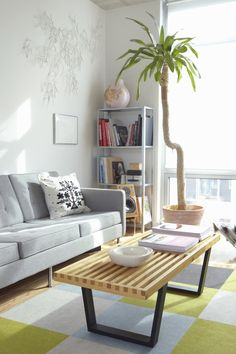 How to declutter a room by following these 5 universal steps to decluttering any space.