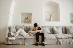 Cozy couple session at home