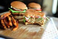 These white cheddar chipotle chicken sliders are spicy and delicious. Ground chicken is mixed with chipotles, cilantro and spices. Healthy Dessert Recipes, Appetizer Recipes, Sandwich Recipes, Appetizers, Chicken Eating, Chicken Sliders, Chipotle Chicken, Tailgate Food, Wrap Sandwiches