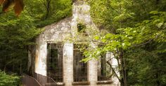 Hike to Carbide-Willson Ruins in Gatineau Park 30 minutes from Ottawa Historical Sites, Ottawa, Trekking, To Go, Hiking, Canada, Camping, Outdoor Structures, Park