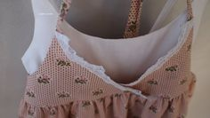 Liljan Lumo: Henkäys menneestä ajasta - Romanttinen pitsimekko  Romantic long dress for a 6 year old girl. Kids Outfits, Crop Tops, Sewing, Clothes, Women, Fashion, Tall Clothing, Moda, Couture