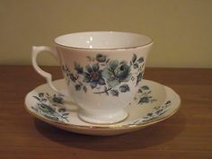 Royal Albert Fine Bone China Tea Cup and Saucer - Memory Lane
