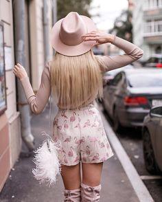 2,478 отметок «Нравится», 23 комментариев — T-Skirt - We Do Skirts! (@t.skirt) в Instagram: «Доброе утро! ✨ #tskirt_team желает тебе хорошего дня и легкого начала рабочей недели 💕 На Маше: 🍂…»