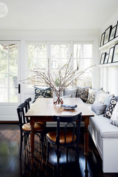 Ditch The Dining Room, These 6 Breakfast Nooks May Be Better