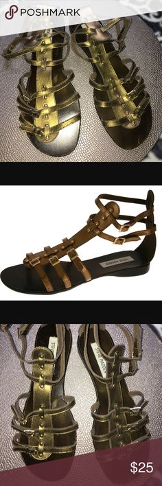Steve Madden Croww Gladiator Sandals 9.5 If you love the classic gladiator look, then don't take a second to think about this great sandal from Steve Madden. Croww features a brown leather upper embellished with gold metal buckles and studs on the strappy exterior complete with a duel ankle strap detail to keep you secure in your steps!  Shoe Details:  Leather Upper Man Made Sole This heel fits true to size. Steve Madden Shoes Sandals