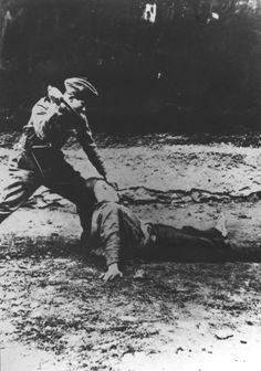 WWII. - 1943. - Croatia / NDH - Lika - Croat natzi (ustaša) nad svojim zaklanim Srbinom