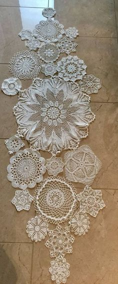 Crochet Lace Tablecloth Ideas Table Runners 38 Ideas Crochet Lace Tablecloth Ideas Table Runners 38 Ideas This image has. Doilies Crafts, Lace Doilies, Crochet Doilies, Crochet Flowers, Crochet Lace, Framed Doilies, Crochet Tablecloth, Vintage Diy, Vintage Lace