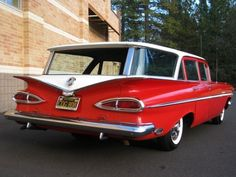 1959 Chevrolet Impala Parkwood Station Wagon @ Thomas Foster. This is what I was talking about, only in green.