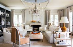 2018 Best Interior Designers by Architectural Digest My Living Room, Home And Living, Living Room Decor, Living Spaces, Beige Room, Design Salon, Design Art, Blog Design, Ottoman Table