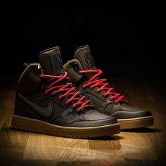 Göz alıcı bir şıklık ve vazgeçilmez birçok özelliği ile karşımıza çıkan Nike Son Of Force'un tarz duruşu sizi de etkisi altına alacak !  Keşfet >>http://goo.gl/5ascov  Tıklanabilir Link Profilde >> @sporjinal  Satış Fiyatı : ₺269  Ürün Kodu : 807242-330  41/45 arası numaralar stoklarda.  #sporjinal#nike#nikesonofforce#sonofforce#nikeforce#sofast#justdoit#nikes #nikeshoes#lifestyle#instagood#instashoes#shoes#bestoftheday#picoftheday#TagsForLikes#instakicks#moda#tarz#İstanbul