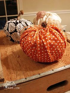 I thought I'd sneak one more fun craft in before Halloween. Don't fret, this craft takes about 5-10 minutes. You'll spend more time gathering the supplies than you will creating it. My sitter came over to make these pumpkins with my boys. I was a little skeptical when she asked for three rolls of toilet …