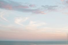 Olivia Poncelet Photography Blog Pastel italy sunset Pink Travel Trip Dream Places beach sea cloud