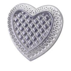 Nordic Ware Quilted Heart Pan Nordic Ware,http://www.amazon.com/dp/B001TRDWNK/ref=cm_sw_r_pi_dp_1Avstb1EM9YRTKDF