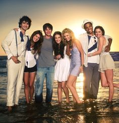90210 the famous zip code.....sad to see it end after 5 seasons! Love this show so much! So happy have Annie and Liam got together and engaged! <3