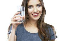 Emagreça com a dieta da água alcalina