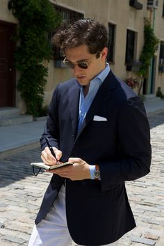 The snug barrels cuffs allow you roll Gianni Agnelli style with your timepiece.