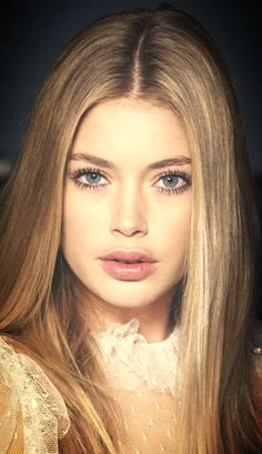 Doutzen Kroes - Soft, feminine look for wedding Cool Easy Hairstyles, Straight Hairstyles, Beauty Makeup, Hair Makeup, Hair Beauty, Pretty People, Beautiful People, Doutzen Kroes, Mannequins